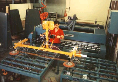 Four Pad Air Powered Vacuum Lifter with Manual Tilt