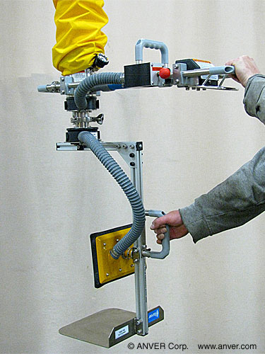 ANVER Vacuum Tube Lifter with Custom Side Gripping Pad Attachment for Lifting Boxes up to 140 lb (64 kg)
